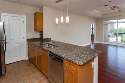 Condo/Townhouse For Sale: 325 E Paces Ferry Road NE #901
