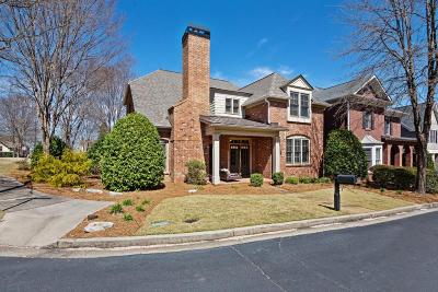 Roswell Single Family Home For Sale: 330 Glen Reserve
