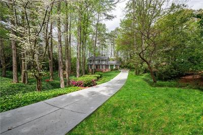 Sandy Springs Single Family Home For Sale: 880 Landmark Drive