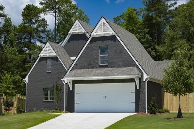 Newnan Single Family Home For Sale: 45 Arbor Garden Circle