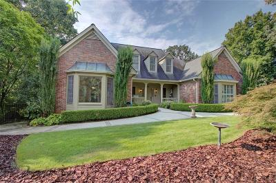 Sandy Springs Single Family Home For Sale: 330 Cameron Ridge Drive