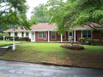 Hapeville Single Family Home For Sale: 3233 Forrest Hills Drive