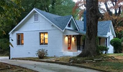 Atlanta Single Family Home For Sale: 2800 Benjamin E Mays Drive SW