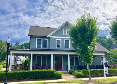 Milton Single Family Home For Sale: 139 Nakomis Place
