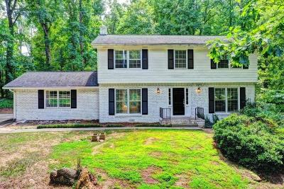 Sandy Springs Single Family Home For Sale: 525 Abernathy Road