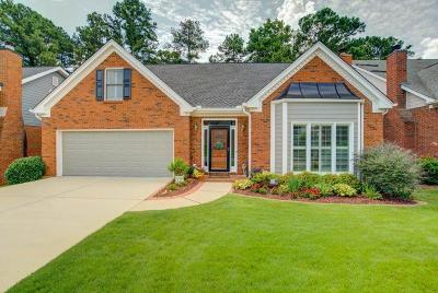 Roswell Single Family Home For Sale: 210 Shelli Lane