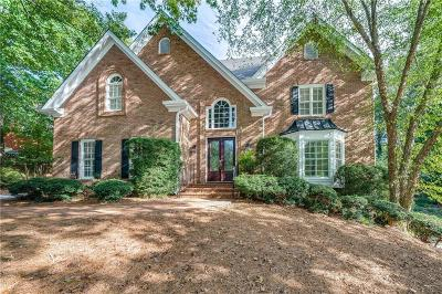 Roswell Single Family Home For Sale: 550 Huntwick Place