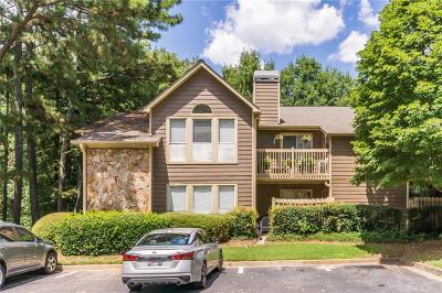 Roswell Condo/Townhouse For Sale: 4009 Canyon Point Circle #4009