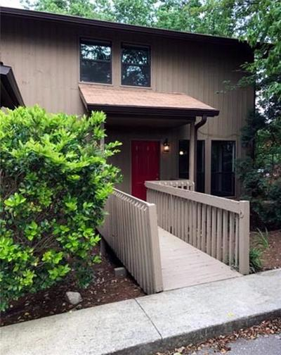 Buford Condo/Townhouse For Sale: 1904 Pine Tree Drive