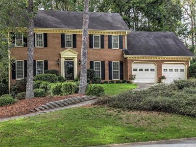 Marietta Single Family Home For Sale: 2131 Lamplight Drive