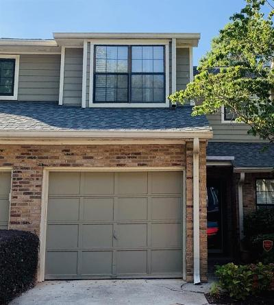 Alpharetta GA Condo/Townhouse For Sale: $279,000