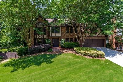 Sandy Springs Single Family Home For Sale: 6785 Lisa Lane