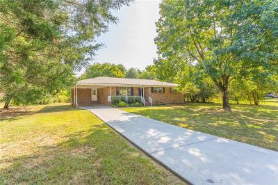 Calhoun Single Family Home For Sale: 194 Clairmount Drive SE