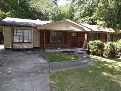 Atlanta Single Family Home For Sale: 3535 Glenview Circle SW