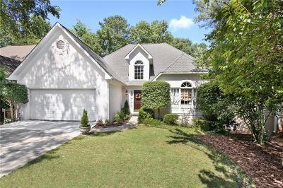 Roswell Single Family Home For Sale: 235 Glen Holly Drive