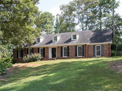 Marietta Single Family Home For Sale: 2709 Pinestream Drive NE