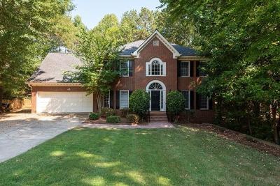 Alpharetta Single Family Home For Sale: 635 Varina Way