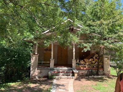 Single Family Home For Sale: 1847 Lakewood Avenue SE