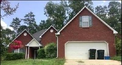 Snellville Single Family Home For Sale: 3985 Knotts Pass Road