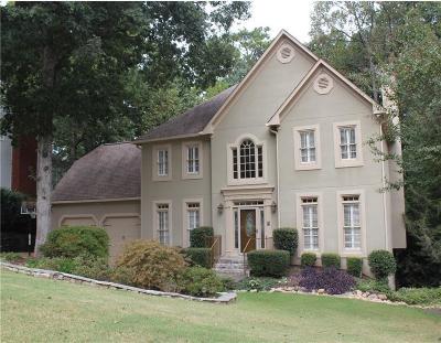 Roswell Single Family Home For Sale: 3305 Lantern Coach Lane NE