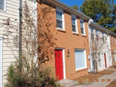 Roswell Condo/Townhouse For Sale: 211 Holcomb Ferry Road