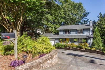 Atlanta Single Family Home For Sale: 2615 Lake Flair Circle
