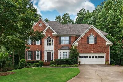 Roswell Single Family Home For Sale: 585 Glynn Meadow Lane
