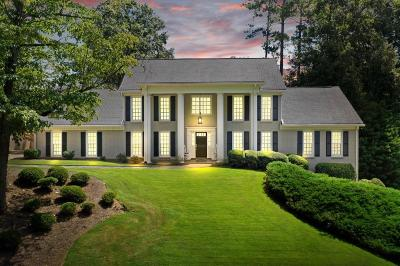 Roswell Single Family Home For Sale: 135 Brookfield Hollow