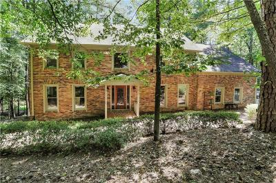 Sandy Springs Single Family Home For Sale: 9755 Huntcliff Trace