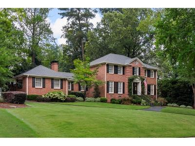 Dunwoody Single Family Home For Sale: 1668 Kings Down Circle