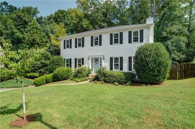 Roswell Single Family Home For Sale: 345 Sheringham Trail