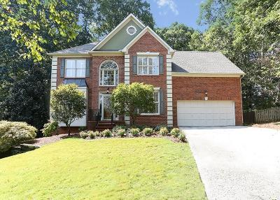 Roswell Single Family Home For Sale: 325 Camber Woods Court