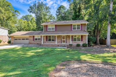 Marietta Single Family Home For Sale: 3272 Clearview Drive