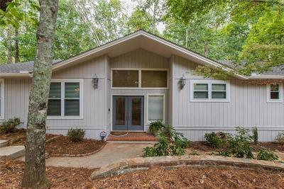 Roswell Single Family Home For Sale: 735 Lake Top Way