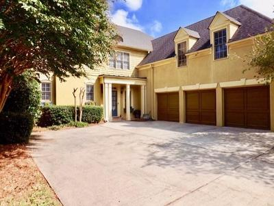 Sandy Springs GA Single Family Home For Sale: $675,000