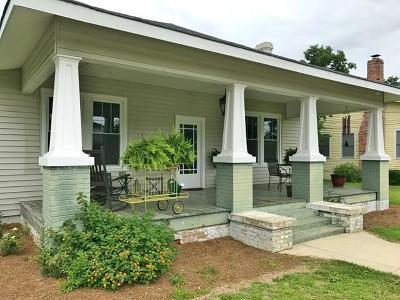 Waynesboro Single Family Home For Sale: 209 Seventh Street