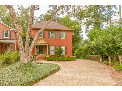 Augusta Single Family Home For Sale: 827 Barrett Lane
