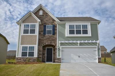 Single Family Home For Sale: 210 Tulip Drive