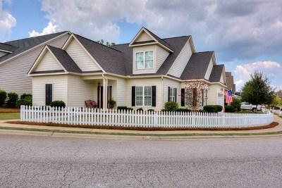 Single Family Home For Sale: 364 Buxton Lane