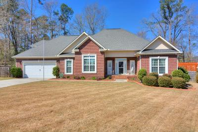 Columbia County Single Family Home For Sale: 706 Helen Court