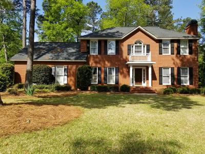 Single Family Home For Sale: 116 Red Oak Lane