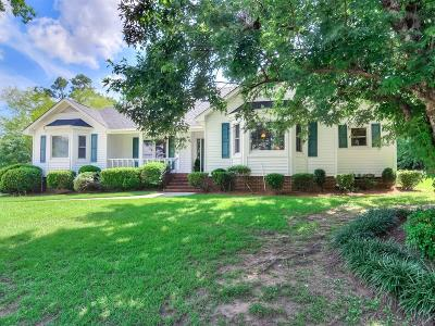Columbia County Single Family Home For Sale: 447 Meadowlands Court