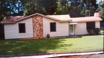 Martinez Single Family Home For Sale: 3049 Angela Drive