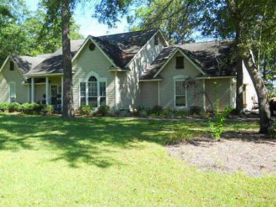 Single Family Home Sold: 469 Riverview Ln