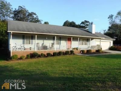 Single Family Home Sold: 31 Crabapple Pl