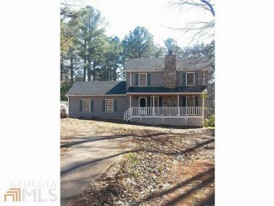 Single Family Home Sold: 61 Oak Hill Dr