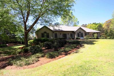 Conyers Single Family Home For Sale: 4050 Whispering Pines Trl