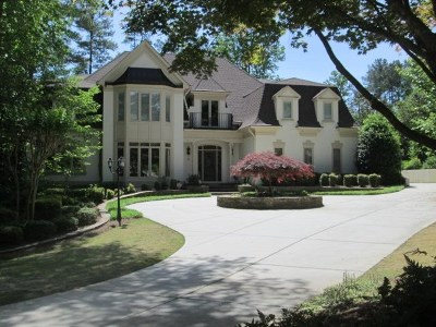 Fulton County Single Family Home For Sale: 9425 Colonnade Trl