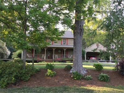 Cobb County Single Family Home For Sale: 5450 Pickens Rd