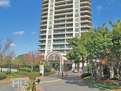 Park Avenue Condo/Townhouse For Sale: 750 Park Ave #15SE